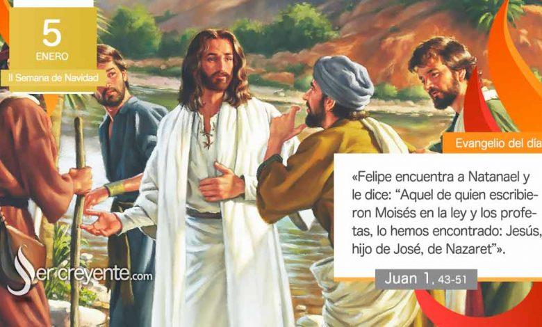 """Photo of Evangelio del día 5 enero 2021 (""""Natanael dijo: Rabí, tú eres el Hijo de Dios"""")"""